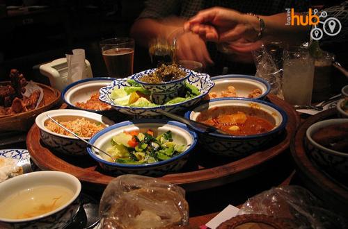Northern Thai food at Kantoke tables