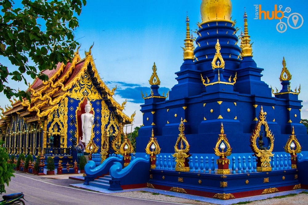 Visit Wat Rong Sea commonly know as The Blue Temple