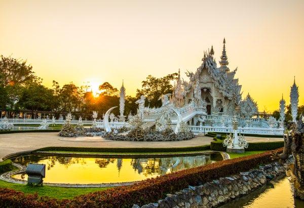 Hands at Wat Rong Khun