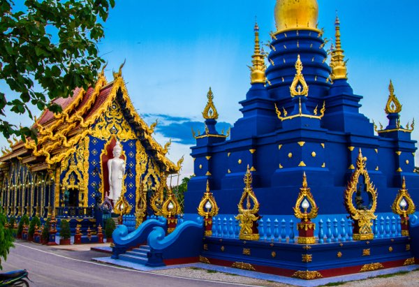 Chiang Rai and Blue Temple tour